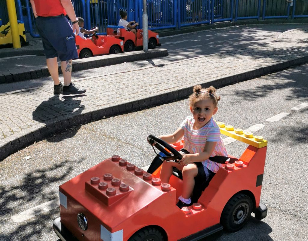 L Drivers Legoland Windsor social distancing